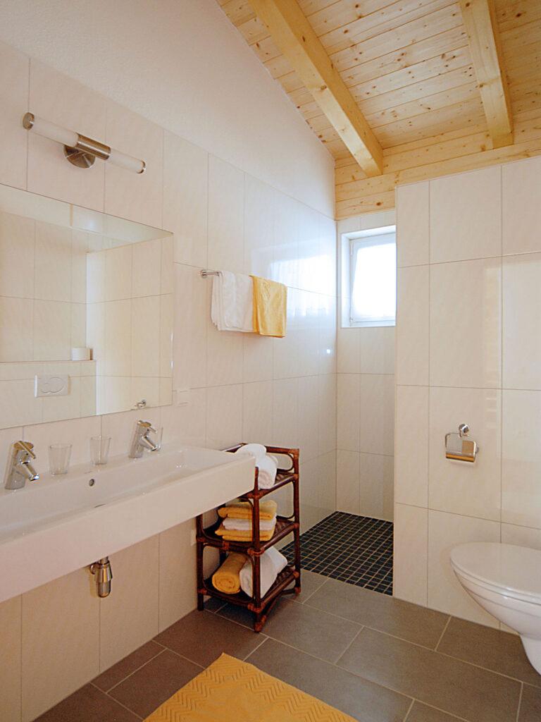 Badezimmer der Maisonette
